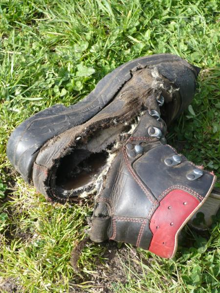 6dbf00cb334 How safe are your feet? Chainsaw boot test - General chat - Arbtalk ...